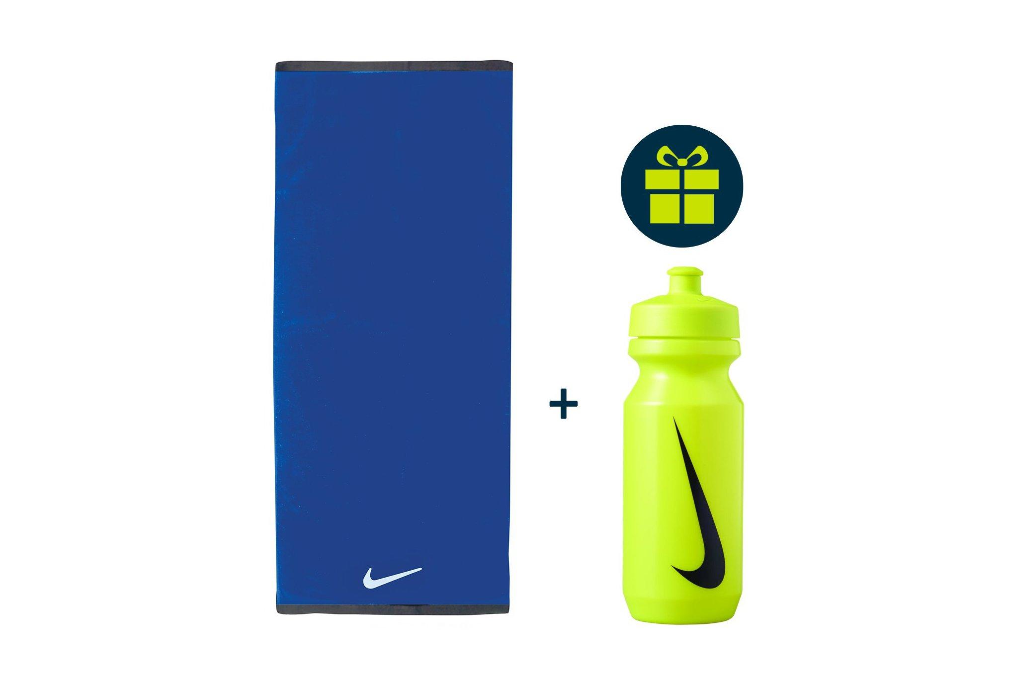 Nike Pack Fundamental Towel - L + Big Mouth 2.0 650mL Diététique Accessoires
